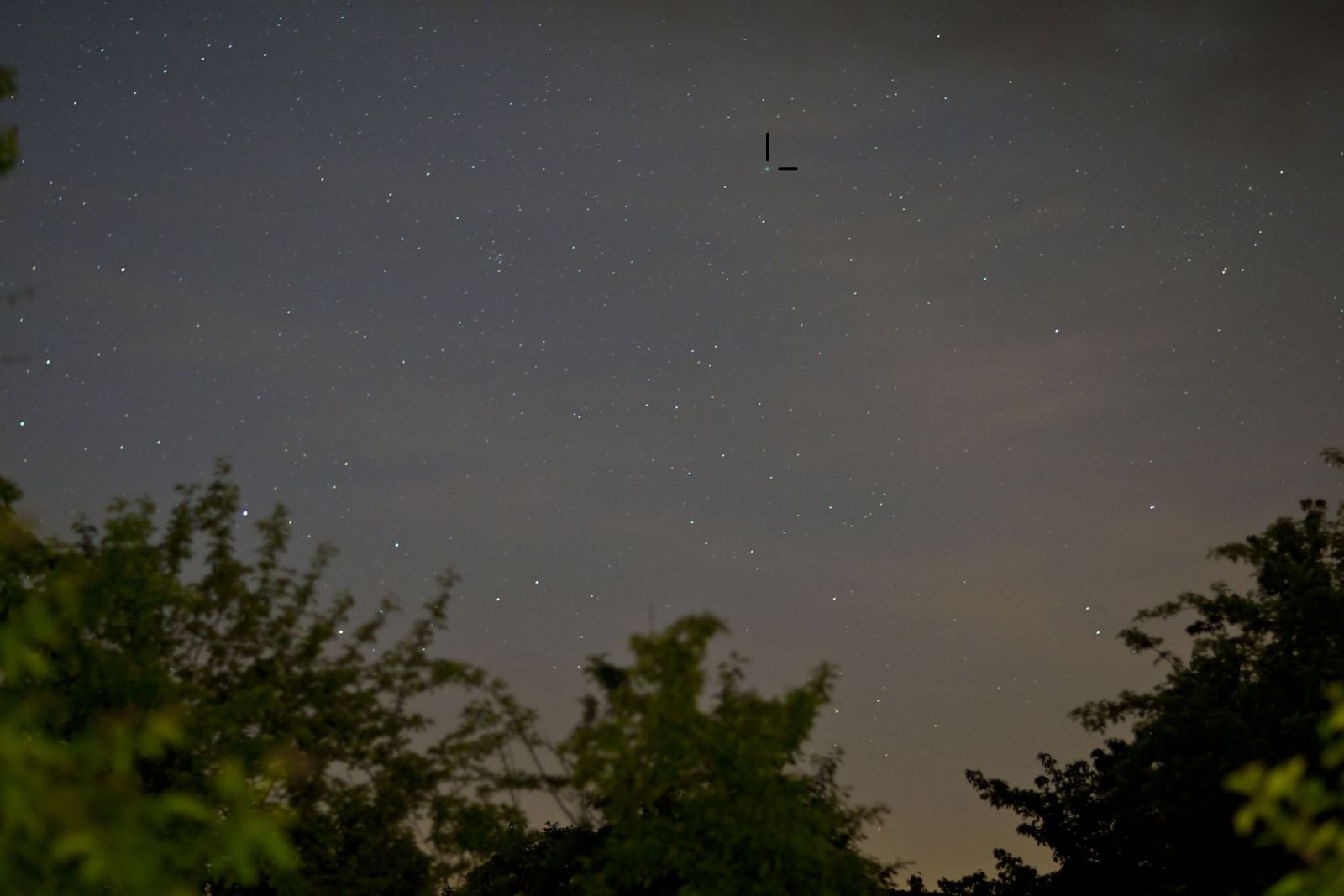 Comet McNaught C2009 In Perseus, v.wide angle (85mm F1.4   6sec @ ISO 3200)