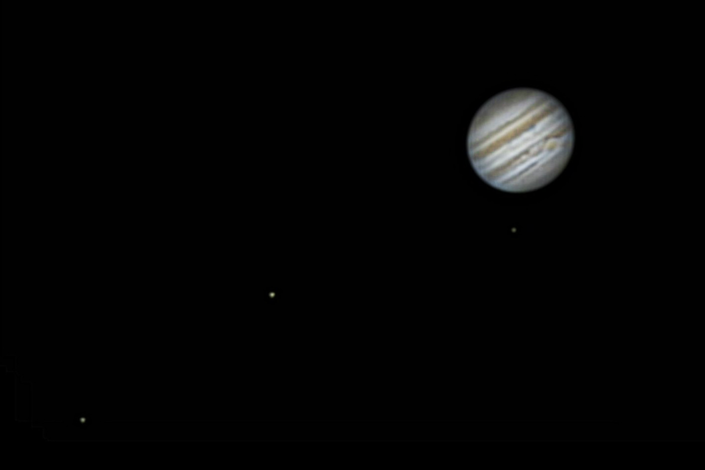 Jupiter with 3 moons.