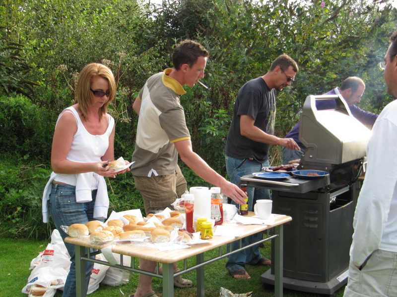 Tracey, Darren, Ian & Martin cooking and serving up the grub