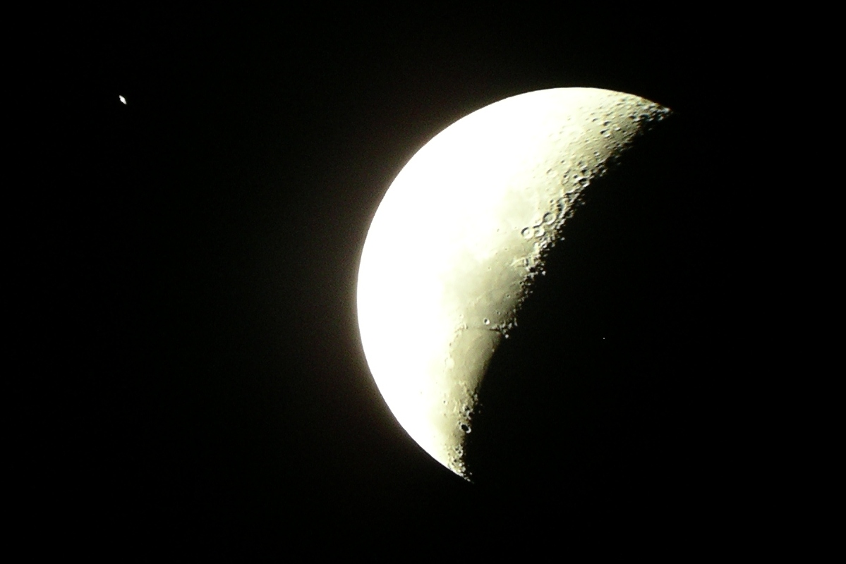 Moon & Saturn Conjunction 2 May 2007