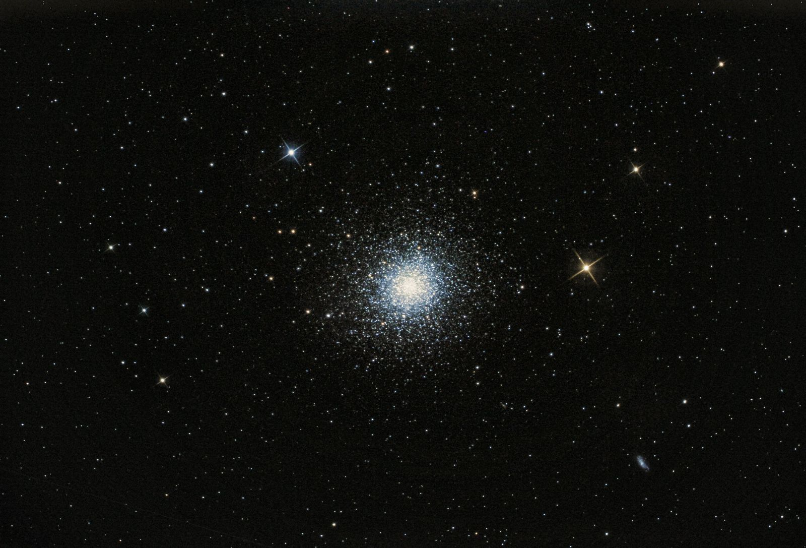 M 13 The great Herculese  cluster