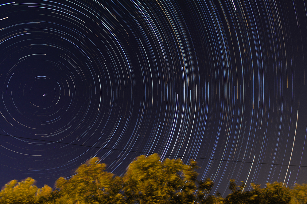 Startrails - 30th August, 2010 300 x 30 Seconds @ ISO800, Canon 50D + EFS18-55 Lens @ 18mm FL
