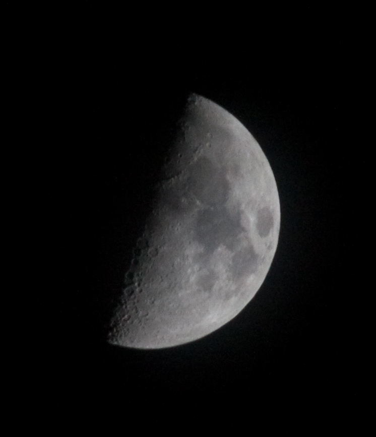 Widefield moon. Sigma 70/300mm on Canon 450d shot at ISO800, f16 at 1/100sec