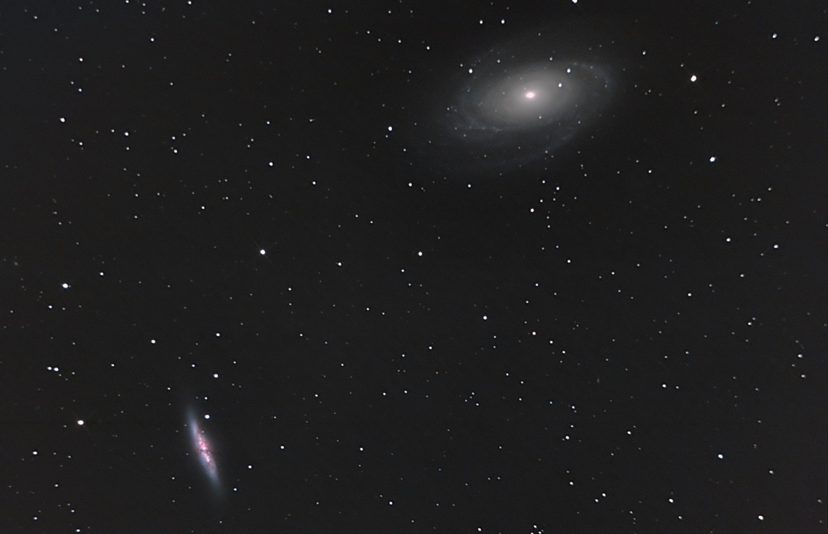 M81 & M82 in Ursa Major. 14 February 2011  48x60secs, plus lights, flats and bias. First attempt at this target.