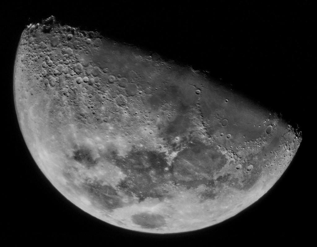 moon 1024 8ximages Registax Sky Watcher 102 with SynScan Tracking with Olympus E410