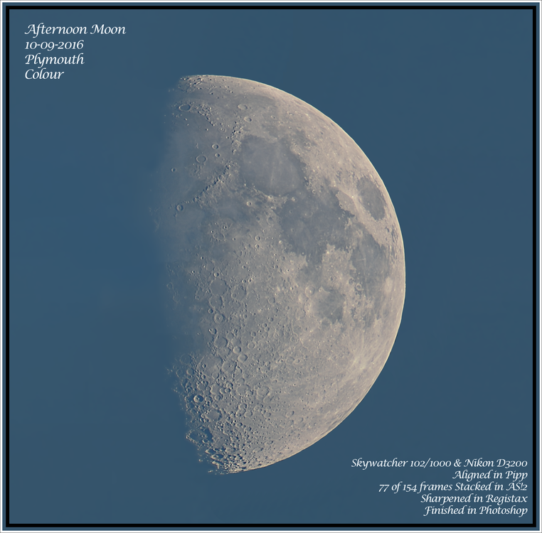 Daytime moon 10-09-2016 Colour.png