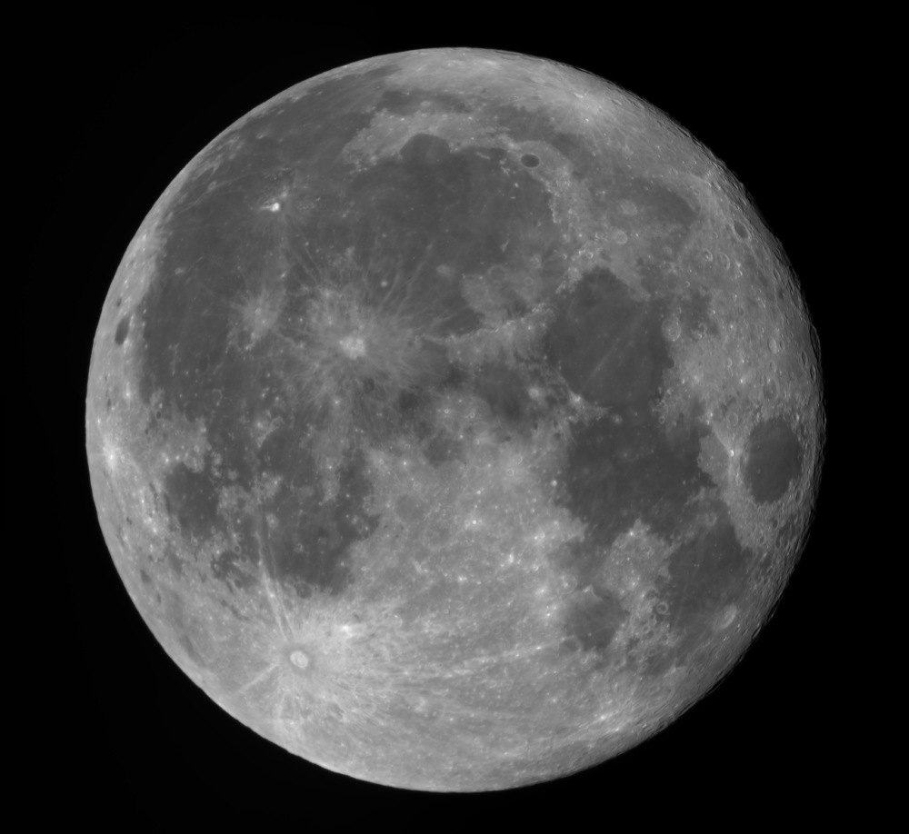 Moon_215536_pipp_g4_ap5588_out_stitch.jpg