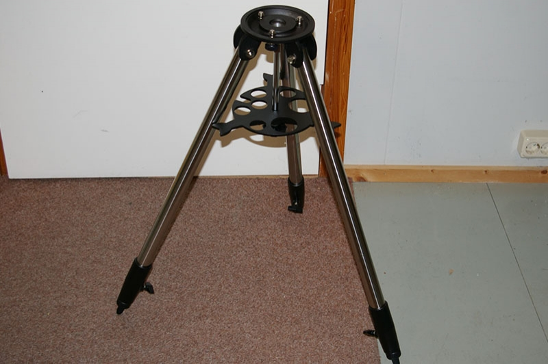 Astroboot Discovery tripod.jpg