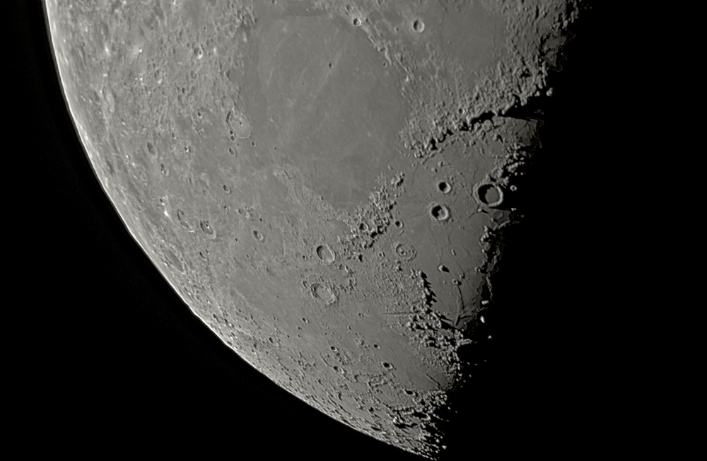 Moon-Lower-Close-up--SUB2.jpg